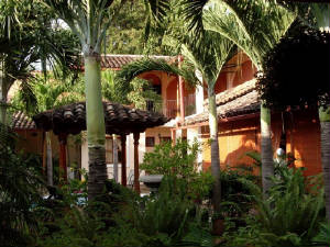 Granada Colonial House Remodeled in Present Day